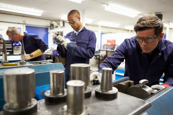 manufacturing-workers
